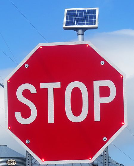 Solar_Stop_Sign_Aug4_2013_IMG_1343