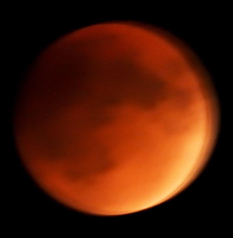 Lunar Eclipse_9_32PM__Sept27_2015_DSCN0335